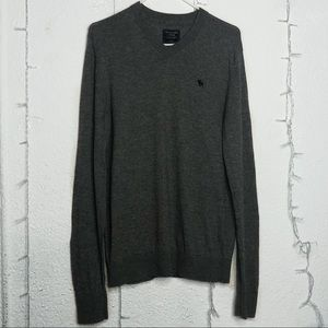 Abercrombie & Fitch - Gray Long Sleeve Sweater